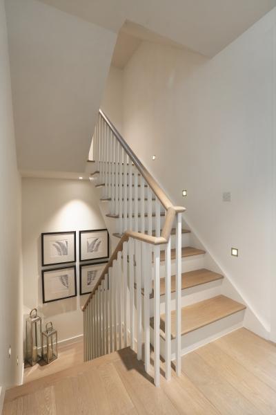 W Pk Rd 380 - Stairs2.jpg